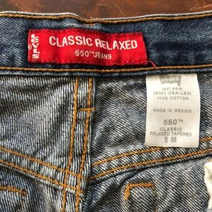 VINTAGE Levi's Classic Relaxed 550 Jean